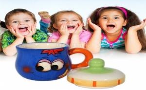 Усмихната Детска Чаша с Капак