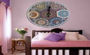 Декоративен Цветен Стенен Часовник