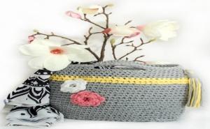 Уникална Ръчно Плетена Плажна Чанта с Цветчета