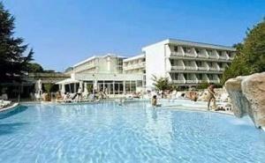 Най-Ниските Цени за All Inclusive в Албена, до  08.07 с Шезлонг и Чадър на Плажа от Хотел Алтея