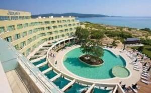 Лятна Почивка до Северния Плаж в <em>Приморско</em>, All Inclusive Висок Сезон в Хотел Жерави
