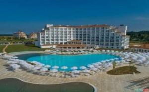 Супер Оферта за Нов Хотел на Обзор, All Inclusive до 03.07 с Безплатен Плаж от Сънрайз Блу Меджик Резорт