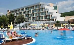 All Inclusive с Аквапарк, Чадър и Шезлонг на Плажа в Албена до 21.06 в Ралица Супериор