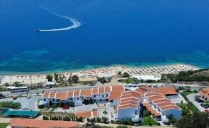 Ранни Записвания Гърция, 5 Дни за Двама Полупансион в Akti Ouranoupoli Hotel