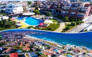 Лято в <em>Созопол</em> на 50М. от Плажа! Нощувка със Закуска + Басейн в Хотел Съни