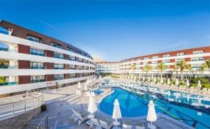 Last Minute за почивка в <em>Бодрум</em>, Турция! Транспорт + 4 нощувки на база Ultra All Inclusive + частен плаж в Хотел Grand Park Bodrum 5* с Далла Турс!
