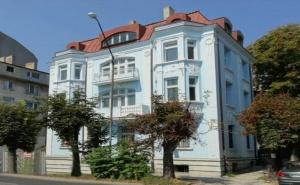 Почивка за Двама в Семеен Хотел Бел Епок Бийч, <em>Варна</em>