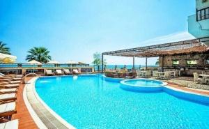 Започнете Лятото на Море в Гърция - Три Нощувки, Закуска, Вечеря и Безплатен Паркинг в Хотел Possidi Paradise - <em>Касандра</em> / 24.05.2019 - 31.05.2019