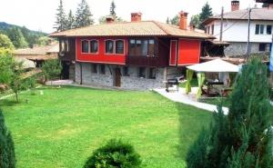 Нощувка за 11 Човека + Механа и Барбекю Къща Традиция в <em>Копривщица</em>