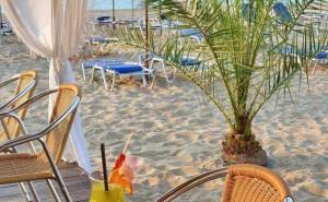 Специална Оферта за Хотел Берлин Голдън Бийч, Разположен на Плажа в Златни Пясъци, с Безплатни Шезлонги и Чадъри на Плажа и на Oл Инклузив / 08.06.2019- 13.06.2019