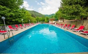 Цяло Лято в Хотел Дива, с.<em>Чифлик</em>! 2 или 3 Нощувки със Закуски, Обеди и Вечери + Минерален Басейн!