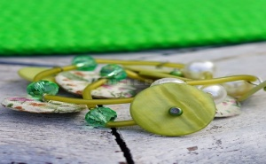 Уникална Дамска Гривна Копчета Зелена Гама