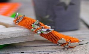 Оранжева Гривна с Пеперуди