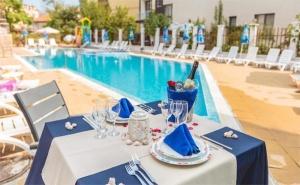 Юли и Август в Созопол! Нощувка със Закуска и Вечеря или All Inclusive + Басейн, Шезлонг и Чадър в Хотел Флагман, на 1Мин. от Плаж Хармани!