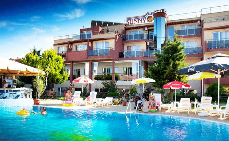 7b14bd408c8 Лято в Созопол! Нощувка със Закуска + Басейн в Хотел Съни 3*, на 50М. от  Плажа!