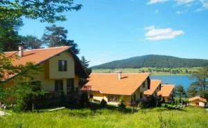 LAST MINUTE! Уикенд в Цигов Чарк! 2 нощувки в самостоятелна къща за 5 или 7 човека във вилно селище Самодиви