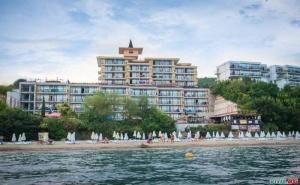 Топ Оферта Края на Лято 2019, 5 Дни All Inclusive на Първа Линия в Супер Хотел Цезар Палас, Свети Влас