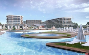 На Първа Линия Топ Нов Хотел с Аквапарк, All Inclusive за Двама След 23.08 в Уейв Ризорт, <em>Поморие</em>