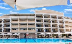 Луксозна Почивка Лято 2019 в Приморско, Полупансион След 26.08 в Топ Хотел Сиена Палас