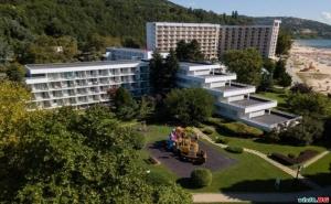 Първа Линия в Албена, All Inclusive с Чадъри и Шезлонги на Плажа Цена на човек от 25.08 в Хотел Калиакра Маре