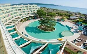 Лятна Почивка до Северния Плаж в Приморско, All Inclusive до 04.07 в Хотел Жерави