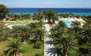 5 дни за двама със закуска и вечеря от 05.08 в Kassandra Palace Hotel & Spa
