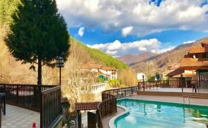Почивка през Септември в Троянския Балкан! 3, 5 или 7 Нощувки със Закуски и Вечери + Релакс Зона и Минерален Басейн в Хотел Алфаризорт Чифлик!