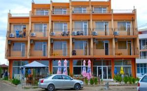 На Море в <em>Равда</em>. Нощувка със Закуска, Обяд и Вечеря в Хотел Германа Бийч, на 40М., от Плажа!