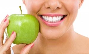 Изящна Усмивка! Професионално Домашно Избелване на Зъби, Профилактичен Преглед и Почистване на Зъбен Камък и Плака от Дентален Кабинет д-р Снежина Цекова!