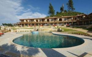 Оферта с 40 % отстъпка за хотел Akritas Ef Zin Villas и Suites 4* - <em>Касандра</em>, Халкидики на 2 км от от пясъчен плаж / 01.09.2019 - 10.09.2019