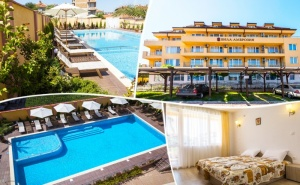 Нощувка на човек със Закуска и Вечеря + Лечебен Масаж + Басейн и Релакс Пакет в Хотел Вила Амброзия, <em>Черноморец</em>