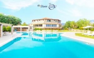 Септември на 50М. от Плажа в Марония, Гърция! Нощувка на човек със Закуска и Вечеря с Включени Напитки + 2 Басейна и Анимация от Хотел Filosxenia Ismaros***** Деца до 12Г- Безплатно!  ...