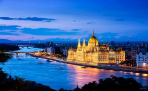Екскурзия до Будапеща и Виена! Транспорт, 2 Нощувки на човек със Закуски и Водач  от Та Болгериан Холидейс <em>Китен</em>