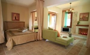 Невероятна Оферта през Септември за Хотел Akritas Ef Zin Villas и Suites 4* - Касандра, Халкидики на 2 Км от от Пясъчен Плаж / 11.09.2019 - 30.09.2019