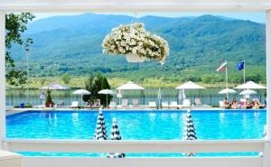Неделя в Хотел Риу <em>Правец</em>! Нощувка със Закуска и Вечеря за Двама + Басейн, Спа и Комплимент Бутилка Вино
