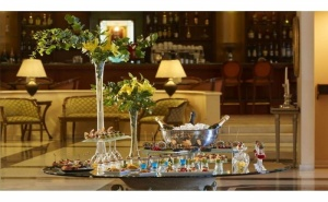 Луксозна Нова Година в Солун - Grand Hotel Palace 5*! Две или Три Нощувки на човек с Гала Вечеря, Закуски, Закрит Отопляем Басейн, Сауна, Фитнес, Паркинг и Транспорт до Центъра на  ...