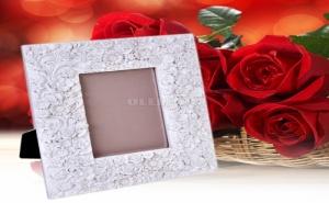 Рамка за Снимка на Релефни Цветя