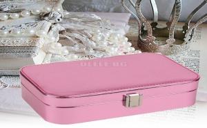 Елегантна Розова Кутия за Бижута с Металически Ефект