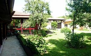 Нощувка за 14 Човека + Панорамна Механа и Барбекю в Къща Росна Вила Край <em>Елена</em> - с. Росно