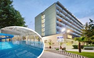 Балнео почивка в хотел Аугуста, Хисаря! 7 нощувки на човек със закуски или закуски и вечери + 15 процедури, минерален басейни и СПА