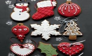 Голям Комплект 8 Броя Метални Форми за Коледни Бисквити Къщичка