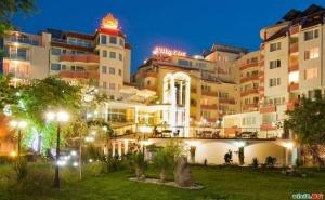 Ваканция на Първа Линия в Созопол, Нощувка със Закуска до 12.07 в Хотел Вила Лист,
