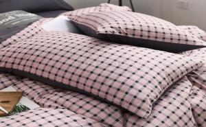 Спален Комплект в Бледо Розово и Сиво Каре