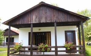 Нощувка за 2, 3, 4 или 6 Човека + Ресторант, Механа и Още Удобства в Бунгала Лъки Край Елена - с. Долни Марян