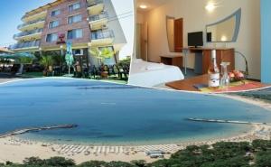 Море 2020! Нощувка на човек със Закуска + Басейн в Семеен Хотел М2, <em>Приморско</em>