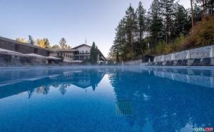 Уикенд във <em>Велинград</em>, Цена за Двама на Ден със Заксука и Вътрешен и Външен Минерален Басейн от Хотел Велина