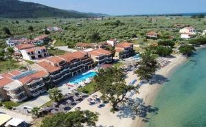 5 Дни за Двама  със Закуска и Вечеря през Юни в Rachoni Beach Hotel