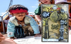 Детски Пиратски Комплект Брадва, Далекоглед и Превръзка за Око