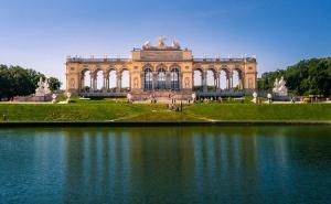 Екскурзия до <em>Виена</em> + по Желание Екскурзия до Манастира Хайлиген Кройц и Двореца Лихтенщайн! 2 Нощувки със Закуски на човек + Транспорт от Еко Тур
