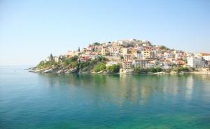 Екскурзия до Кавала, Гърция! Транспорт + 3 нощувки на човек със закуски в хотел Nefeli, на 150 м. от плажа + екскурзия до о. Тасос и Керамоти по избор от Еко Тур